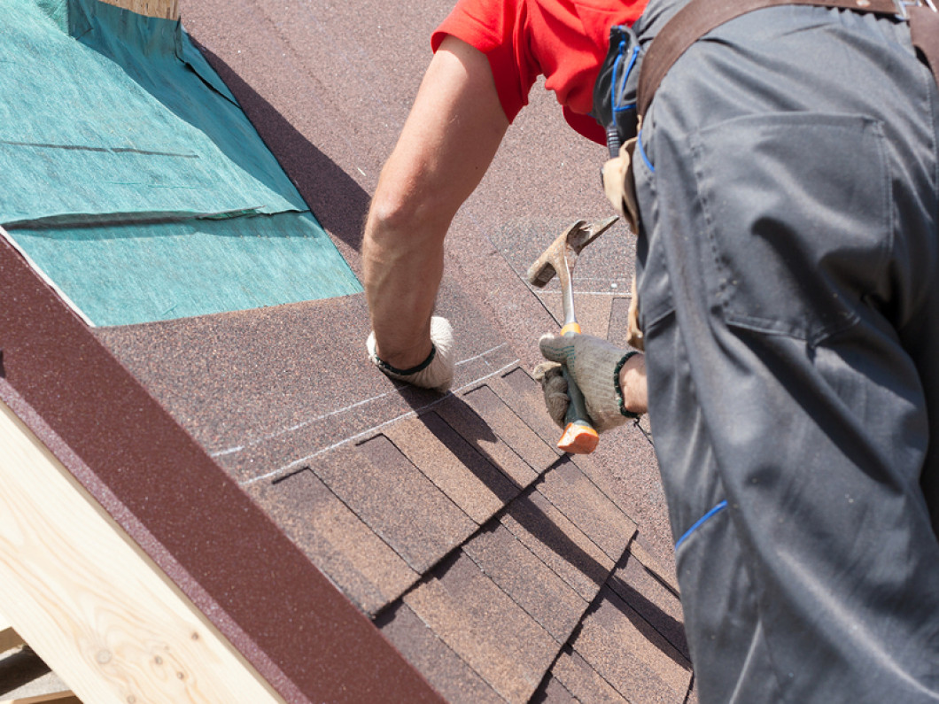 Hire A Knowledgeable Roofer For Installations & Repairs